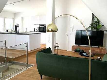 Traumhafte Maisonette-Wohnung inklusive Designer-Einbauküche, Holz-Parkett & 20qm Südbalkon