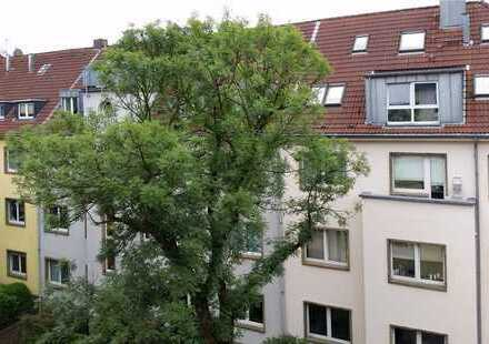 ~ 62 m² - 2 Zi.+Wohnküche+D-B-Balkon - ruhige grüne TOP-Lage im KREUZVIERTEL ! provisionsfrei !