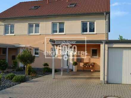 Neustadt: Große KfW70-DHH