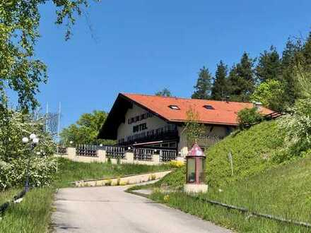 Bayrisches Traditionshotel mit Gaststätte, Sonnenterrasse und Biergarten in Traumlage!
