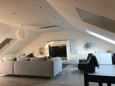 Traumwohnung in Brechten 2,5 Zimmer Dachgeschoß im 2. OG mit Küche, Garten und übergroßer Garage