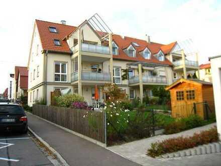 Friedberger Altstadt - tolle Wohnung mit großem Dachbalkon - ruhig/zentral - zzgl. 50 m² Dachraum