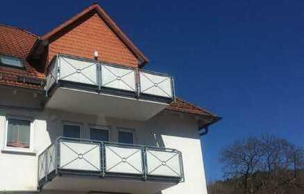 Apartment mit großem Balkon und Stellplatz