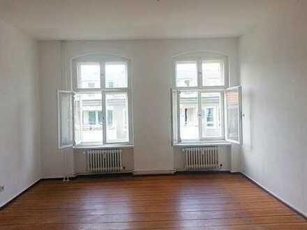 Spandau Lutherplatz! 4 Zimmer - Wassernähe - Balkon großes Bad - Dielen- 3-er WG - 118m² 1.197€ warm
