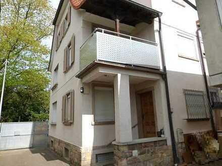 Charmantes Zweifamilienhaus mit Nebengebäude