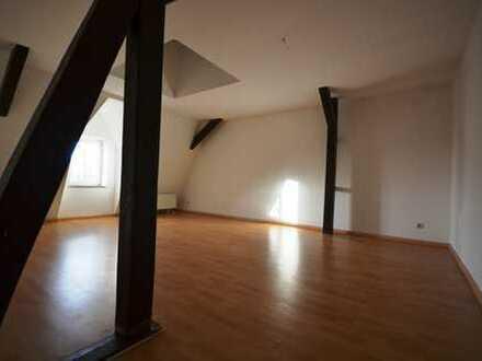 NEU-Renovierte 3-Raum*DG*innenl. Bad*Wanne