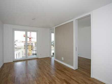 Modern und citynah: mit Balkon | Einbauküche | Einbauschrank im Schlafzimmer