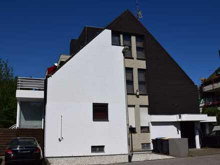 Großzügiges 2-3 Familienhaus mit Terrasse und Wintergarten in bester Wohnlage Köln-Weiden
