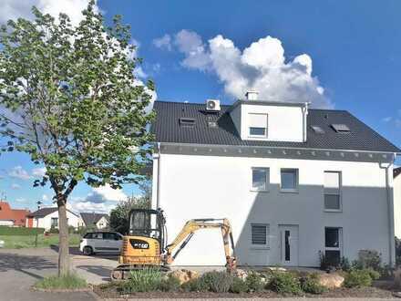 Neubau-Erstbezug, Großzügige 4-Zi.-Wohnung in einer ruhigen Wohnlage