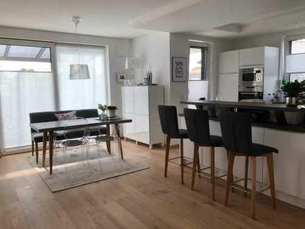 Luxuriöser Wohntraum auf 2 Etagen (Maisonette-Wohnung mit Terrasse und Garten