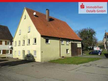Baugrundstück mit Wohnhaus und Scheunenanbau