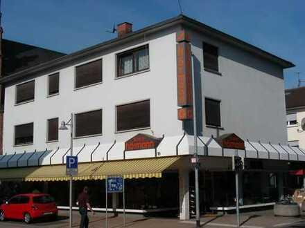 Lampertheim, Stadtmitte, schöne, neu renovierte 3-Zimmerwohnung-Küche-Bad-Balkon ab 1.1.2019