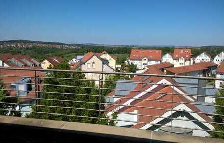 2,5 Zimmer Dachgeschoß Wohnung mit Weitsicht und riesen Balkon