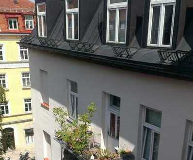 Westschwabing 5-Zimmer Altbauwohnung mit Stuck und Parkett