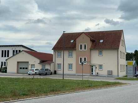 Bürogebäude inklusive Montagehalle zu verkaufen