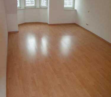Werdau-Zentrum, großzügige 2-Zimmer-Whg. m. Gemeinschaftsterrasse