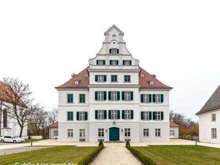 Landleben im Schloss für´s Wochenende oder Zweitwohnsitz! Westbalkon, Stuck und Holzdielen!