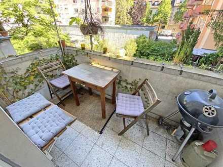6353 - Großzügige, sanierte 3-Zimmerwohnung mit Balkon!