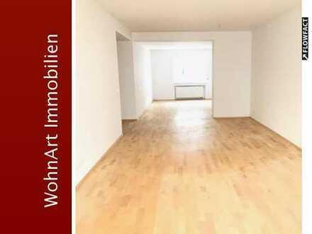 Großzügige 3,5 Raum Wohnung mit Balkon im Zweifamilienhaus