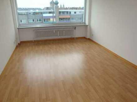 Toplage mit exklusivem Ausblick im Zentrum, 1-Zi.-Wohnung mit Küchenzeile, Wfl. ca. 31 m²