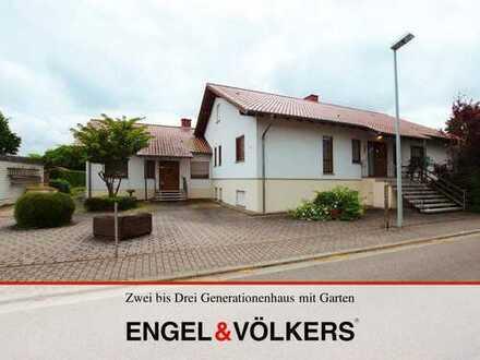 Zwei bis Drei Generationenhaus mit großem Garten