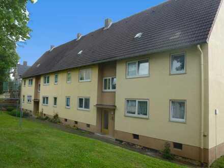 Helle + neuwertige 2 Raum-Wohnung mit großer Wohnküche!