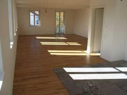 Sehr schön sanierter Altbau, geräumige 4-Zimmer-Wohnung in Ermengerst im Oberallgäu
