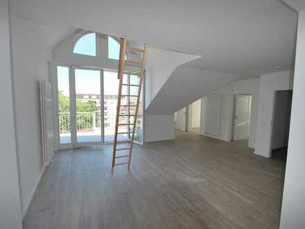 Erstbezug - offene und helle 3-Zimmer Dachwohnung