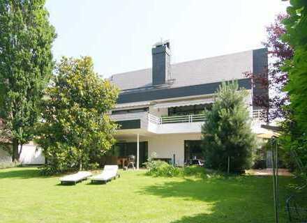 modernes, repräsentatives Anwesen im begehrten Villenviertel Bonn-Rüngsdorf