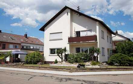 Über 200m² Wohnfläche in modernisiertem Zweifamilienhaus in Neudorf