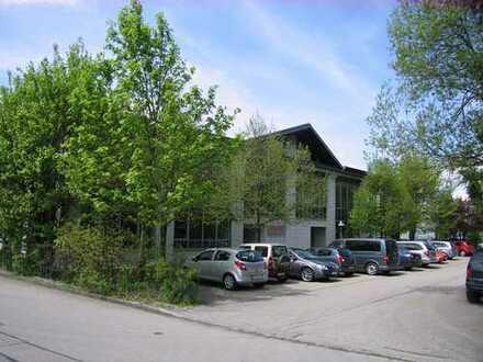 Repräsentatives und teilbares Gewerbegebäude für leichte Produktion und Büros