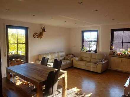 Gepflegte und sonnige 3-Zimmer-Wohnung mit Balkon, EBK und TG-Stellpl. in Leutenbach, PROVISIONSFREI