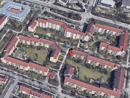 Exklusive, gepflegte 3-Zimmer-Wohnung mit Balkon und EBK in Unterschleißheim