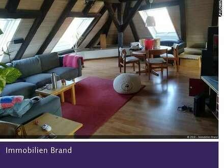 Großzügige, helle, schön geschnittene Dachgeschoss-Wohnung direkt in Oldenburgs Innenstadt