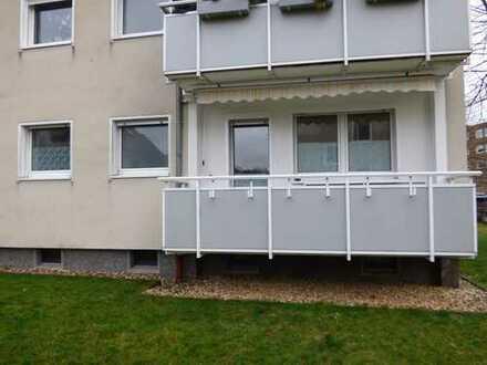 Sanierte, ruhige 3,5-Zimmer-EG-Wohnung mit Balkon, Einbauküche und 2 Keller