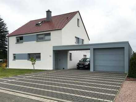 * Modernisiertes Einfamilienhaus *in ruhiger Lage