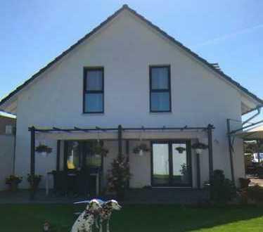 Traumhaus mit Garage in idyllischer Wohnlage- KFW 55 !