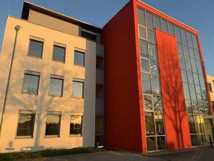 Helles, sehr schönes und modernes Büro (27m²) in netter Bürogemeinschaft