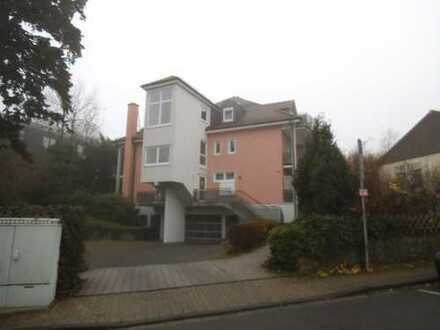 4-Zimmer-Maisonette, 140 qm Wohnfl., über 200 qm Grundfläche, 2 Balkone, 2 TG-Plätze
