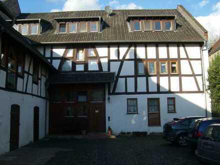 gemütliche, helle, 3,5-Zimmer-Maisonette-Wohnung mit EBK in Echzell