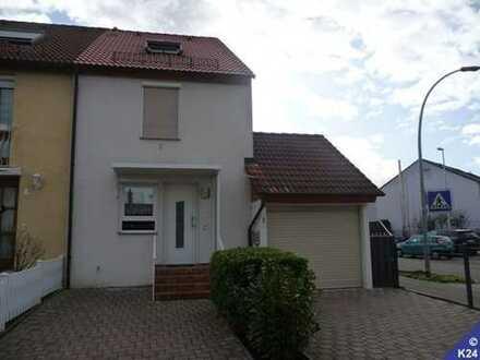 Schönes Reiheneckhaus mit Wintergarten - gute Lage, Garage, zwei Stellplätze kleines Grundstück !