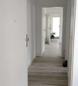 Frisch renovierte 3-ZKB-Wohnung - 2.OG - zentral in Lappersdorf