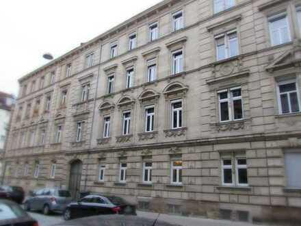 Liebevoll sanierte 3-Zimmer-Hochparterre-Wohnung am Fürther Stadtpark