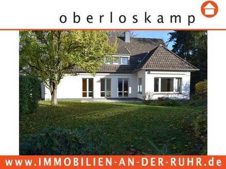 Freistehendes Einfamilienhaus mit sonnigem S/W- Grundstück in bester Wohnlage von E-Bredeney
