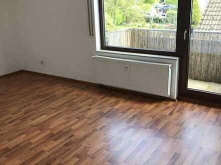 Waiblingen: Gepflegte 1-Zimmer-Wohnung mit Balkon und EBK, hell, ruhig + grün ! Provisiosfrei !