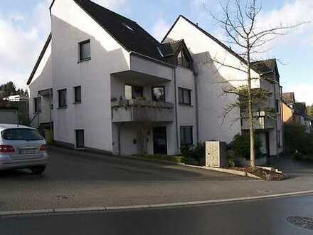 Apartment im Grünen- kernsaniert - edel - hell -Terrasse - Stellplatz