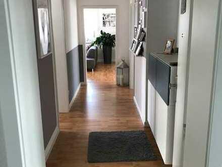 Schöne vier Zimmer Wohnung in Rhein-Neckar-Kreis, Neidenstein