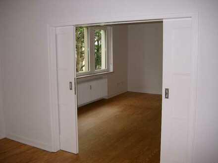 Stilvolle, vollständig renovierte 4-Zimmer-Wohnung mit Balkon in Heidelberg