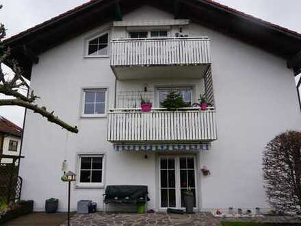 Schöne 4-Zimmer-Wohnung mit Balkon und Garten in Erding/Lgg