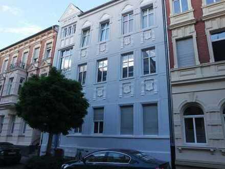 schöne 2-Raum-Wohnung in zentraler Lage mit Balkon